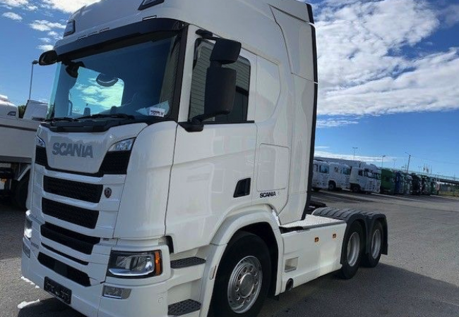 Scania R500 with Walking floor Hydraulic